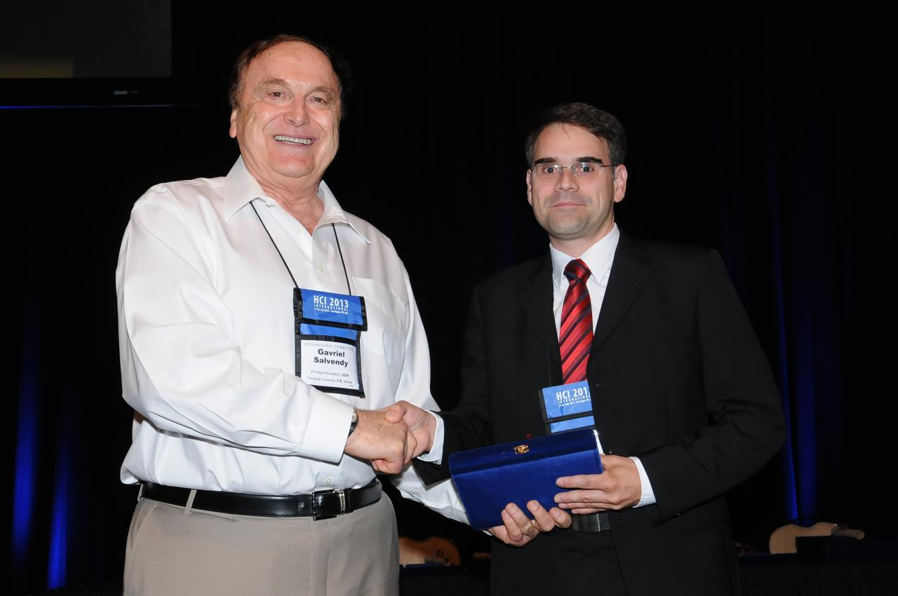 Best Paper Award for the 5th International Conference on Virtual, Augmented and Mixed Reality